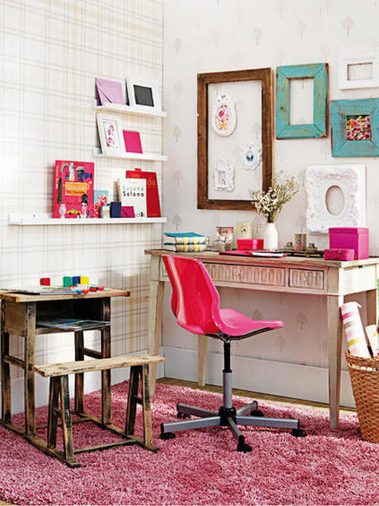 Decoracion de zona de estudio color rosado