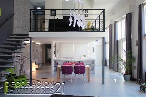 Mezzanine moderno en ambiente con iluminación digital (8)