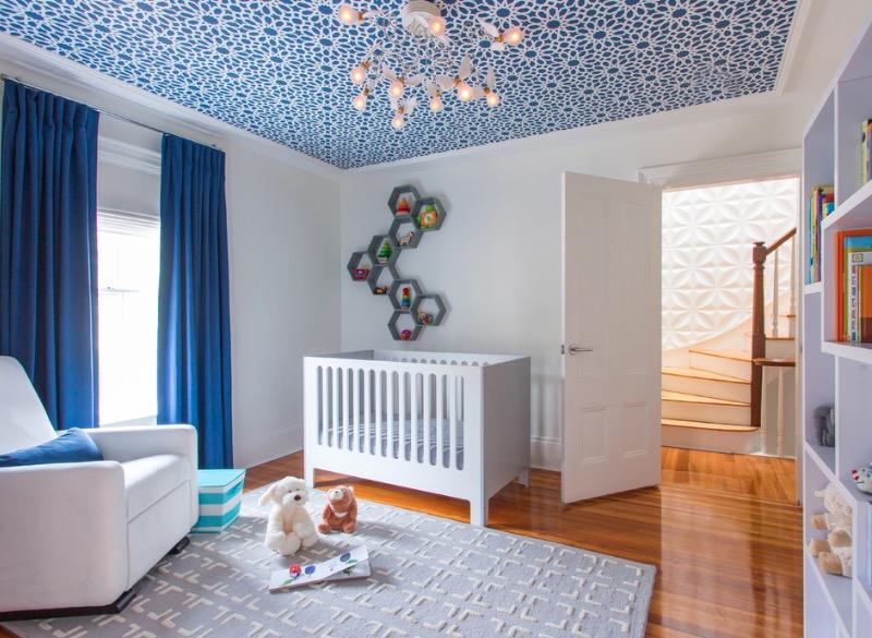 diseño del techo con colore brillantes