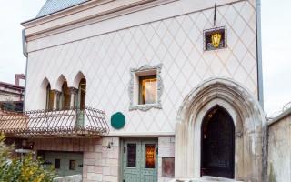 Simbio Kitchen & Bar: un lugar que emerge de un edificio viejo en Bucarest