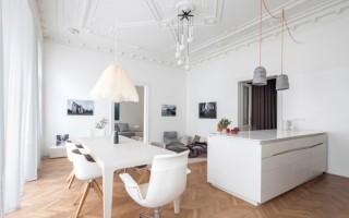 Casa contemporánea con un  diseño especial en el interior  para el cuidado de los niños en Israel
