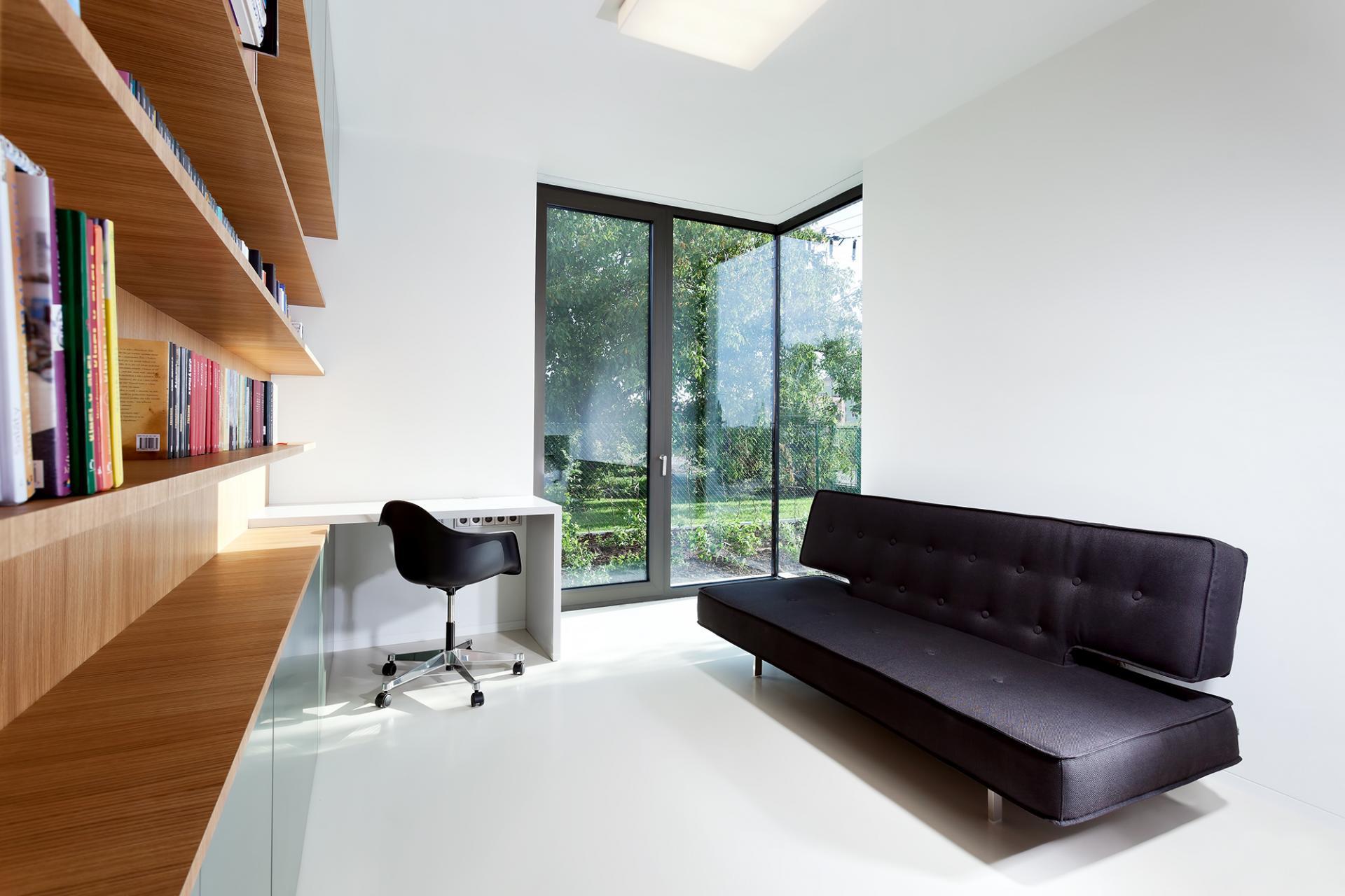 estantes modernos