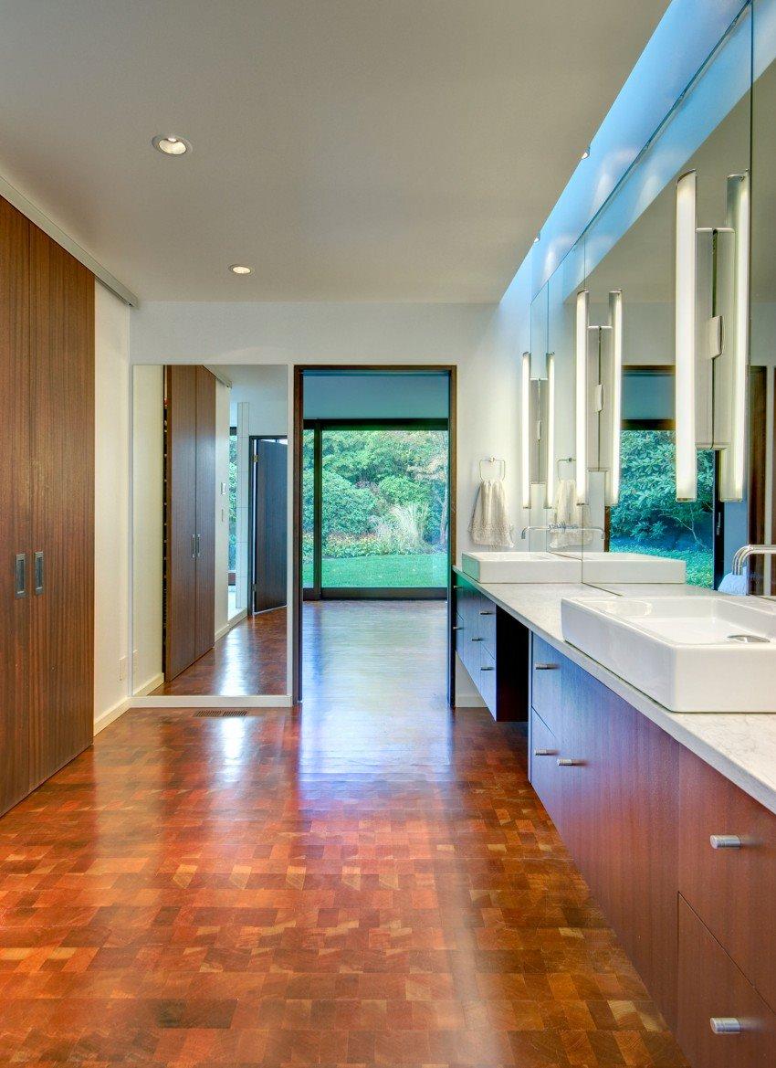un piso moderno y muy elegante