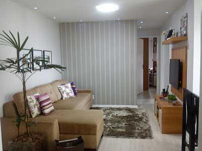 Sala de estar pequeña simples