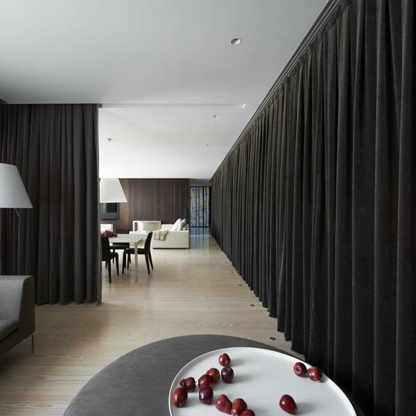 Diseño de interiores con cortinas al estilo minimalista (13)
