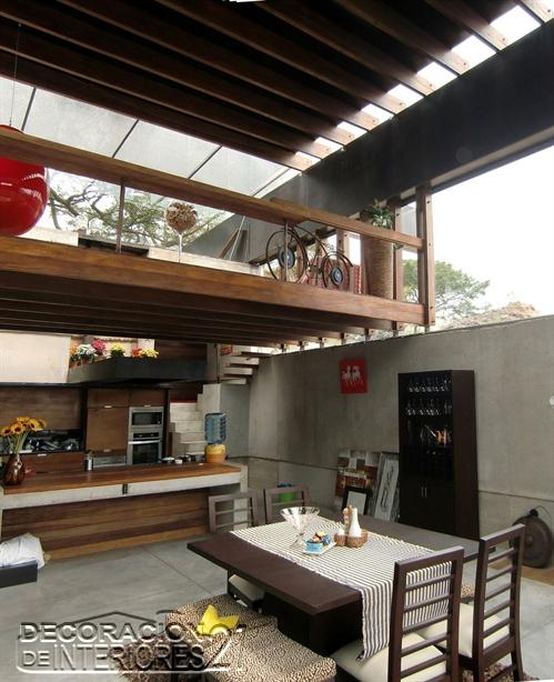 Mezzanine moderno en ambiente exteriorizado pero en interiores (30)