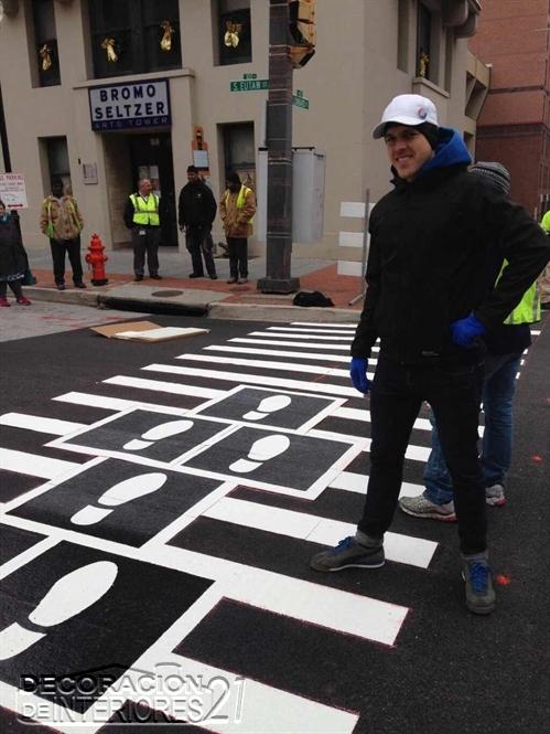Decoracíón de cruces peatonales en Baltimore (3)