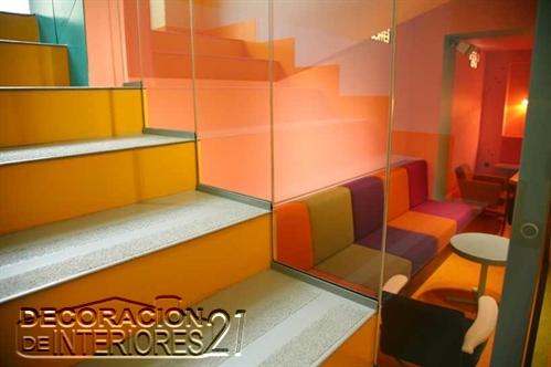 Decoración de cafetería Polaca con colores animantes (8)