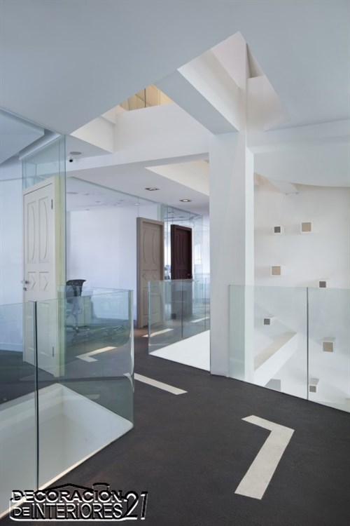 Oficina Dunmai creada por Dariel Studio  (1)