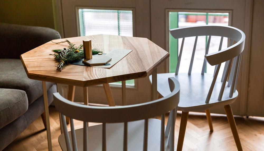 Una mesa de madera perfecta
